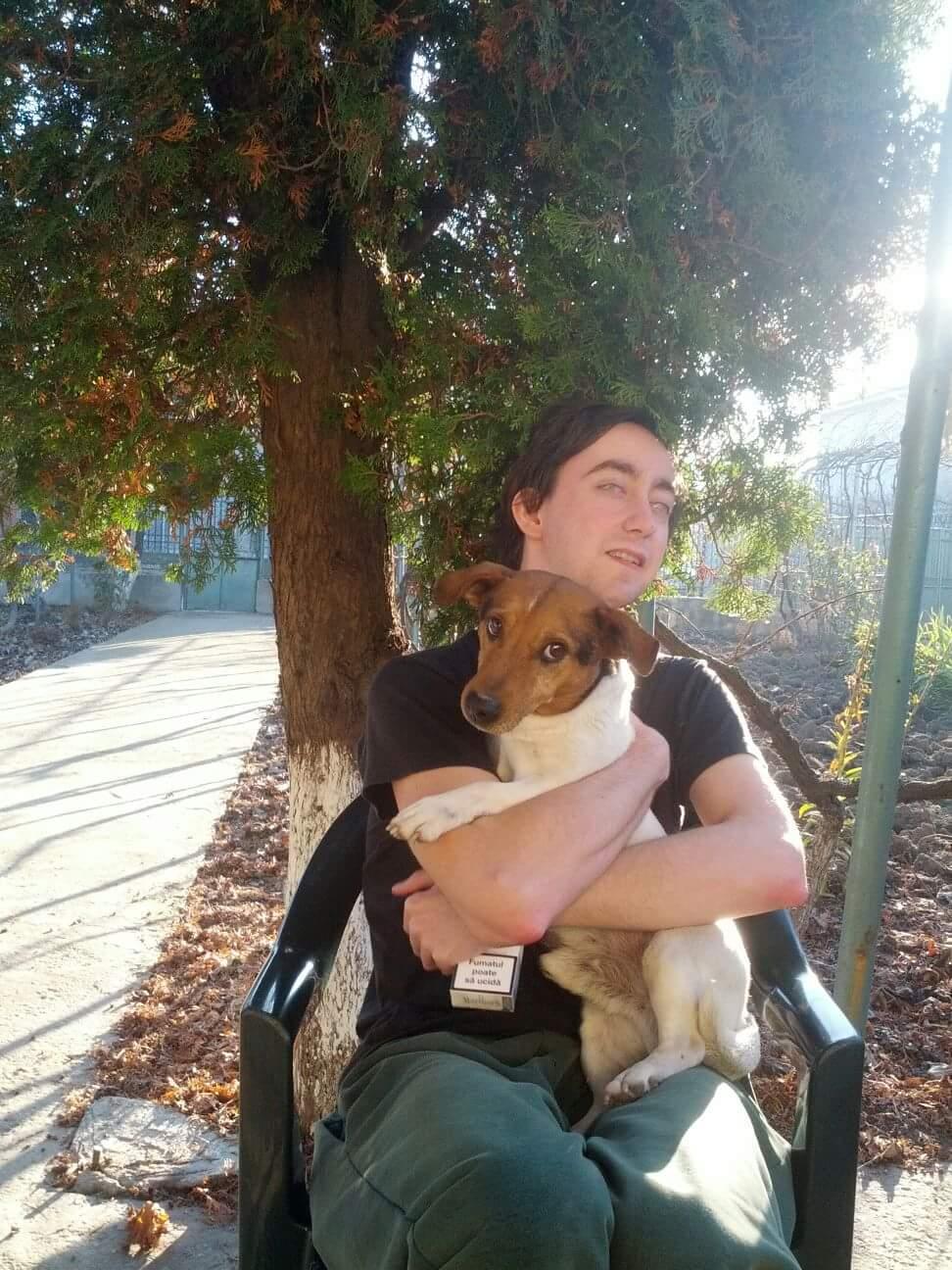 Eu şi câinele meu, Serghei, de vorbă pe şezlong